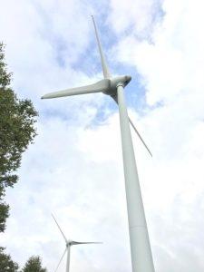 布引山の風車