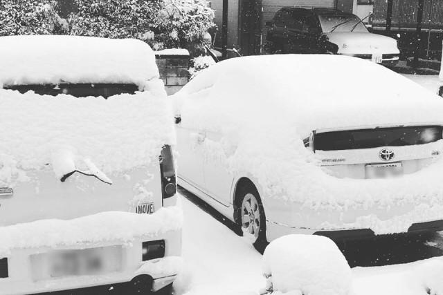 会津の家の雪の写真