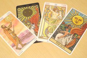 タロットカード 太陽4種類